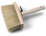 Schuller ARON BASE lábazatkenő kefe kevert sörtével, szögletes fa testtel és fa nyéllel, 135 x 55 mm