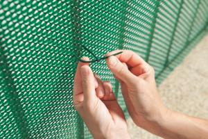 Hlavný obraz produktu Nortene Bridfix fixatér siete 14 cm zeleny 50ks/balenie