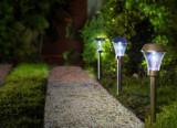Záhradná solárna lampa Areis