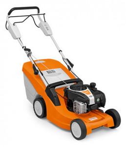 Stihl RM 443 T kompakt benzinmotoros fűnyíró kerékhajtással termék fő termékképe
