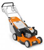 RM 545 T benzinmotoros fűnyíró kerékhajtással