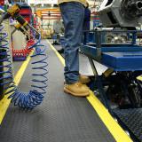 SD010701 Safety Deckplate ipari álláskönnyítő szőnyeg, 0.6 x 0.9 m
