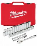 """Milwaukee 3/8""""-os racsni és dugókulcs készlet, metrikus méret, 32 darabos"""