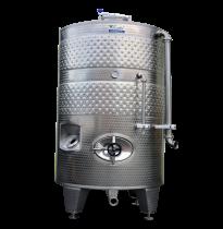 Zárt bortartályok hűtőpalásttal és keverőcsatlakozóval